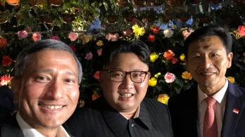Kim Dzsongun leszelfizett Szingapúrban