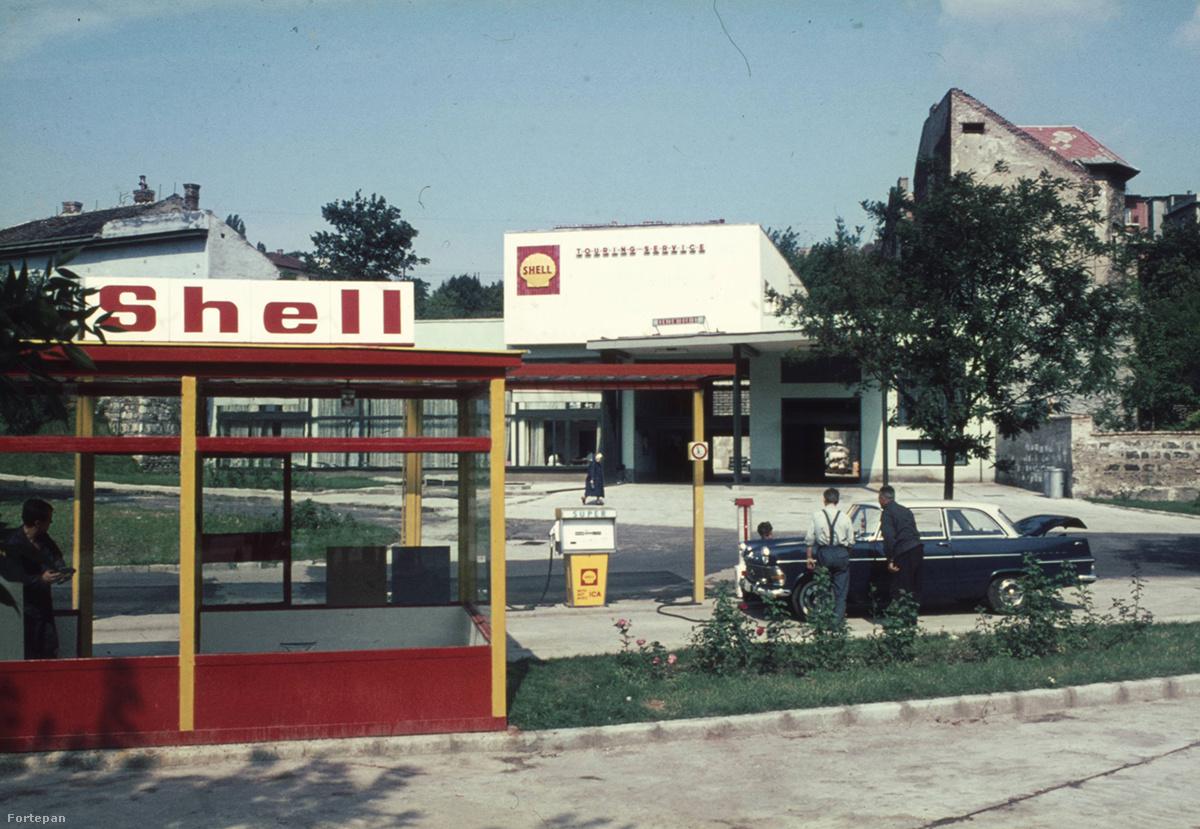 Kép: Fortepan / Mészáros utca benzinkút és szerviz a Zsolt utca , Budapest XII. kerület
