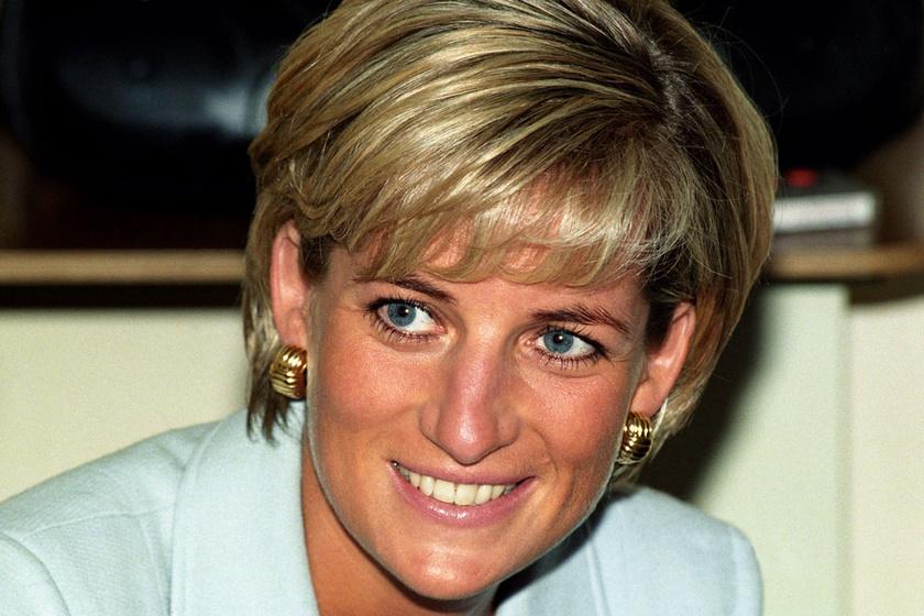 Diana hercegnő bikinis fotóival is hergelte a királyi családot - Íme, a legdögösebb darabok