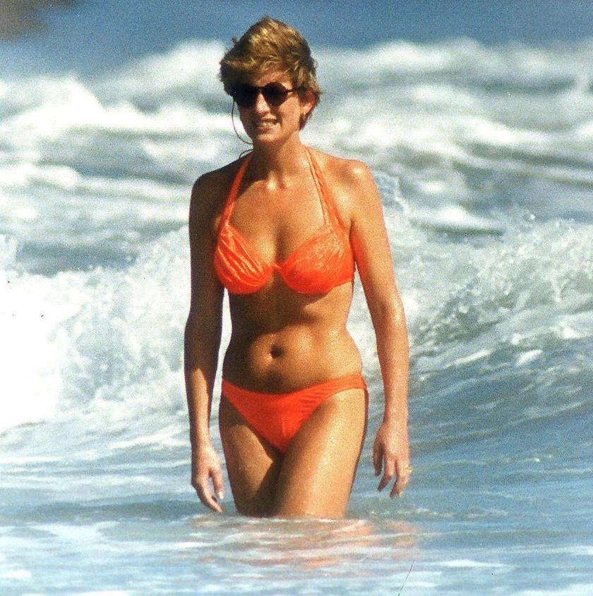 Diana hercegnőről számtalan lesifotó készült a nyaralásai alatt. Itt egy narancsszínű darabra esett a választása.