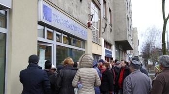 Három év után végre visszakapnak néhány értékpapírt a Buda-Cash károsultjai