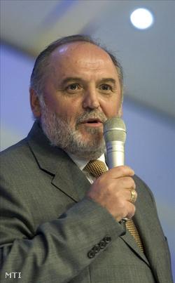 Németh Sándor, a Hit Gyülekezete vezető lelkésze  (Fotó: Szigetváry Zsolt)