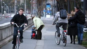Itt a megoldás a budai rakparti bringaútra?