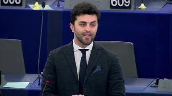 Kérdezzen az új olasz kormány EP-képviselőjétől