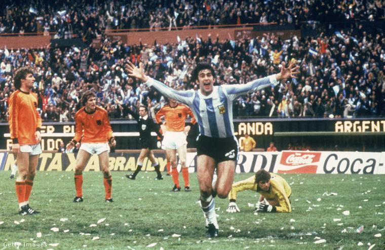 Az év 1978, a helyszín Buenos Aires, a játékos, aki ennyire örül, az argentín Mario Kempes.