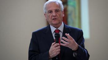 Sólyom László kiállt a Heti Válasz mellett