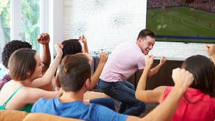 Itt a foci vb, akciós tévével van tele az internet