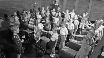A náci karlendítés amerikai találmány
