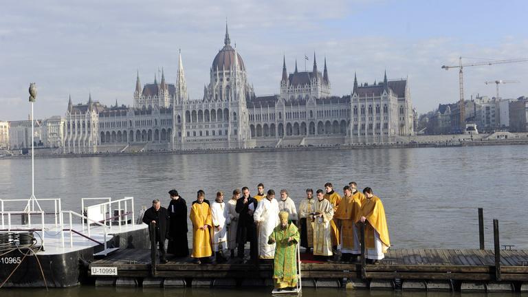 A Fidesz az Alaptörvénybe emelné a keresztény kultúra védelmét