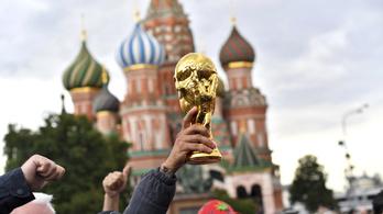 A világbajnokság 1. napja