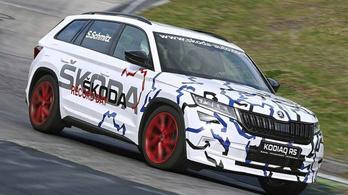 Vadiúj Škodával döntött rekordot a Nürburgring királynője