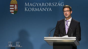 Orbán év elején költözik a Várba