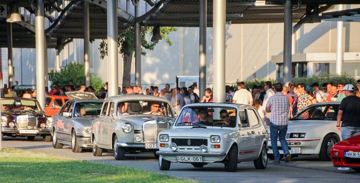 Fiat 127 vezeti a sort