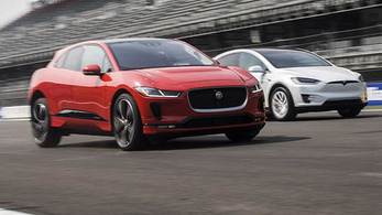 Mit tud a Jaguar, amit a Tesla nem?