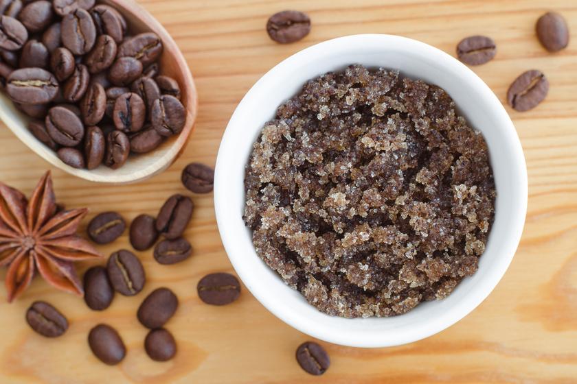 A leghatásosabb kávés testradír receptje: felpezsdíti a nyirokkeringést