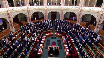 Szerdán szavazhatnak a Stop Sorosról és az alkotmánymódosításról