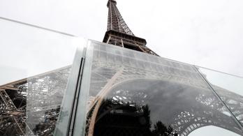 Golyóálló üvegfal védi az Eiffel-tornyot az esetleges terrortámadások ellen