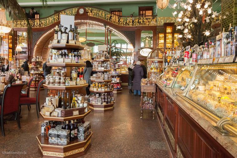 A Yeliseev Emporium Szentpétervár hatalmas élelmiszer boltja, ahol megvásárolhatod az otthon maradtaknak szánt ajándékokat