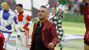 Robbie Williams üzenete élőben a foci vb nyitóünnepségéről: Fuck You