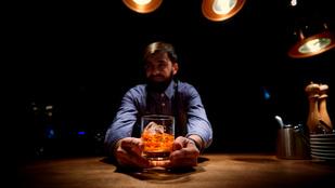 Lenyűgöznéd a társaságot a whisky-műveltségeddel? Segítünk!
