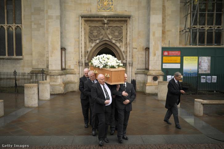 Hawking gyászszertartása 2018 márciusában.