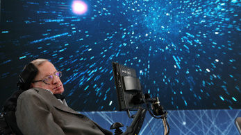 Ma temetik Stephen Hawkingot, szavait az űrbe sugározzák