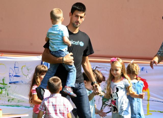 Novak Djokovic, szerb teniszező is a Unicef jószolgálati nagykövete