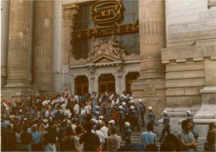 TV-székáz, Szabadság tér, 1988. június 16.