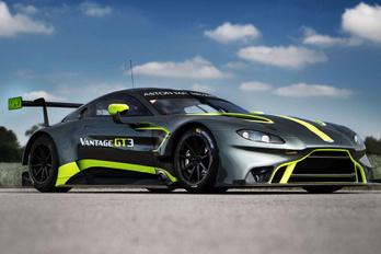 Két új versenygépet mutat be az Aston Martin