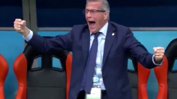 Tabárez a mankót is eldobta a győztes gólnál