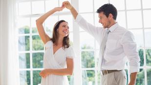 Kérte, hogy adjak időt neki, de közben az ölemben táncolt