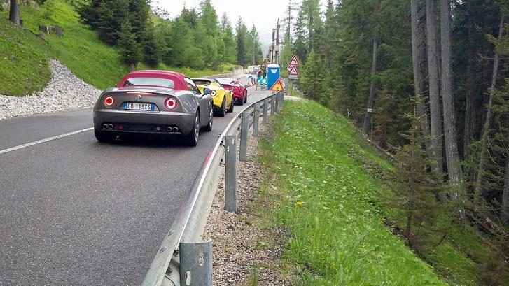 Nincs itt semmi érdekes, csak pár olasz autó