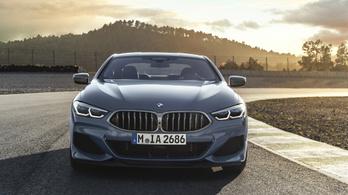 Sportosan elegáns az új 8-as BMW