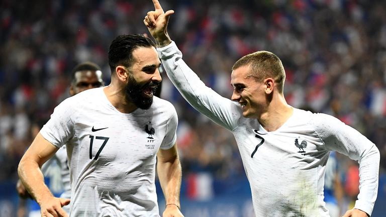 Franciaország történelmi, videóbírós 11-es kapott, 2-1-re verte Ausztráliát