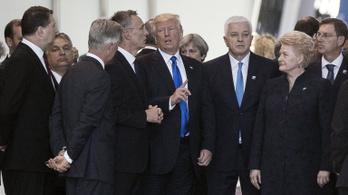 Trump felhívta Orbánt, hogy Magyarország védje erősen a déli határt