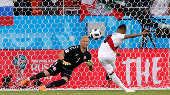 Peru megverte magát, győzött Dánia