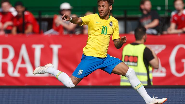 Svájc vitatott góllal rontotta el a brazil vb-rajtot