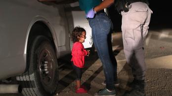 Melania Trump felszólalt a gyerekeket szüleiktől elválasztó gyakorlat ellen