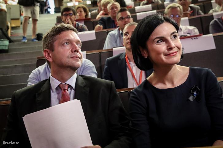 Tóth Bertalan és Kunhalmi Ágnes az MSZP vasárnapi tisztújítóján