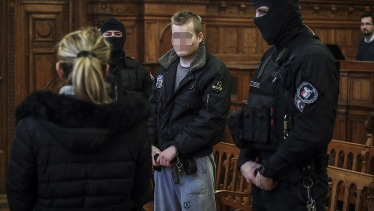 Életfogytiglant kért az ügyész a Teréz körúti robbantóra