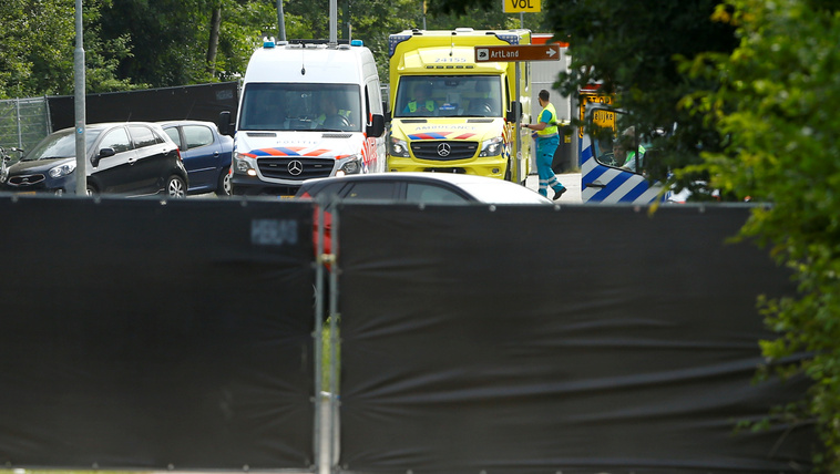 Fesztiválozók közé rohant egy autó Hollandiában