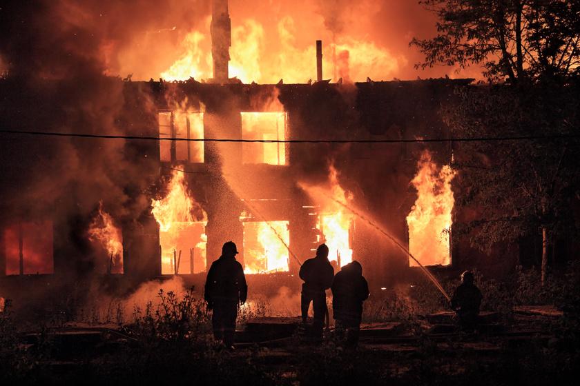 Pillanatok alatt tüzet okozhatnak: 10 dolog, ami felelős a téli lakástüzekért