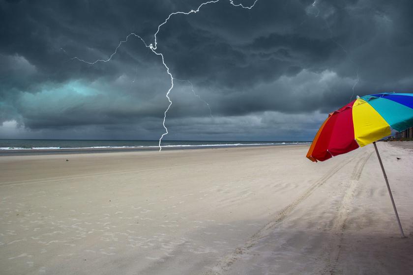Mi történik, ha homokba csap a villám? A természet különleges művészeti alkotásai