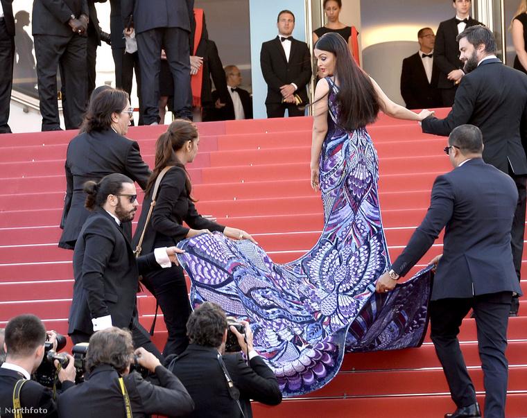 Hasonlóan sokan kellettek Aishwarya Rai indiai színésznő ruhájához az idén Cannes-ban