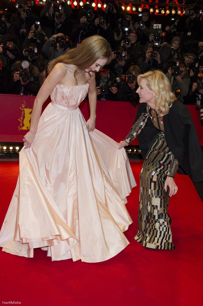 A 2015-ös Berlinálén meg egyenesen Cate Blanchett segítette ki Lily Jamest.