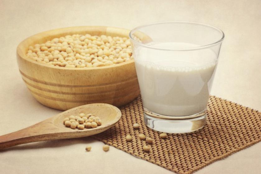 Mit tehet a szülő, ha nem fogyaszthat tejet a gyerek? A dietetikus az alternatívákról