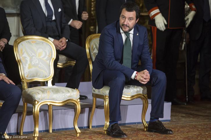Olasz belügyminiszter: a romákat sajnos itt kell tartanunk