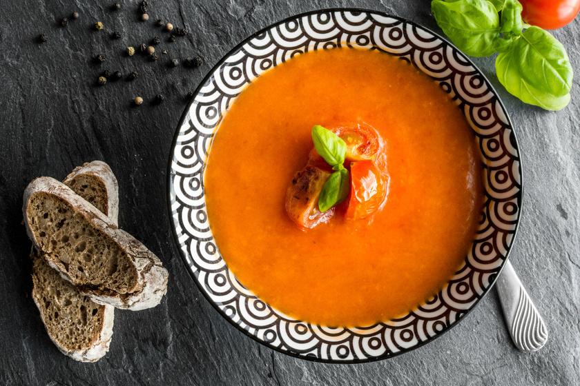 Selymes, zamatos sültpaprika-krémleves: a spanyolok így készítik