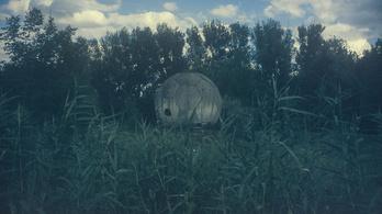 A beton futball-labdában megtalálta a radartányért
