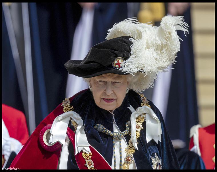 """""""A windsori kastély Kékszalagrend-termében rendezik meg minden év júniusában az úgynevezett Garter ceremóniát, amivel III"""